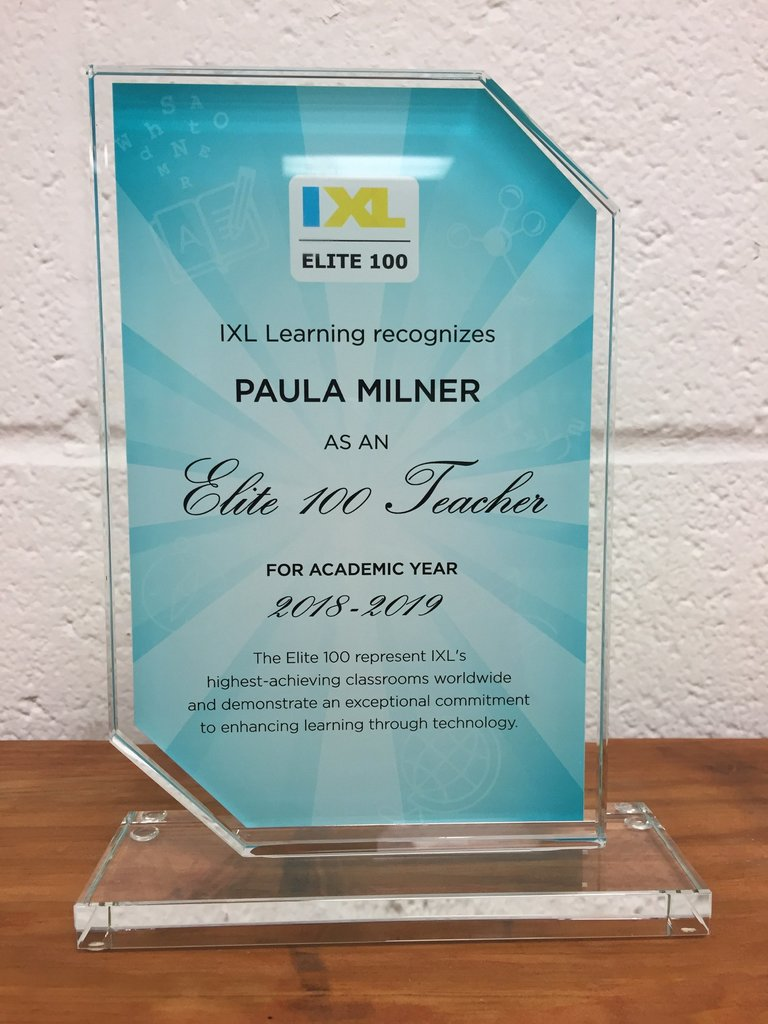 Kindergarten teacher Paula Milner receives Elite 100 award from IXL.